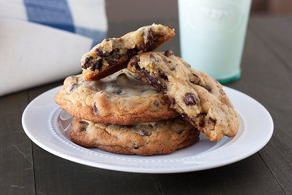 Giant Chocolate Chip Cookies - Handle the Heat