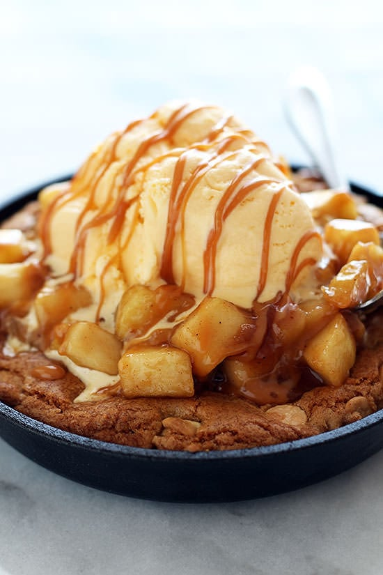 Apple Pie Pizza Recipe Salted Caramel Apple Pie Pizza